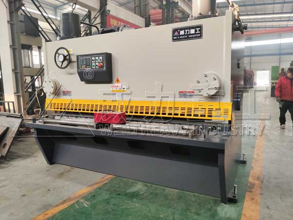 20x3200液压不锈钢剪板机